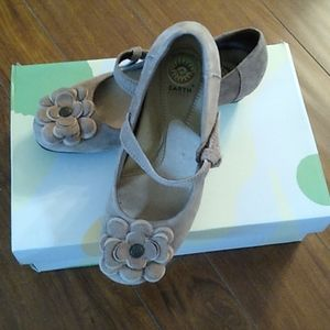 Earth Spirit Taupe Suede Flower Mary Jane Shoes